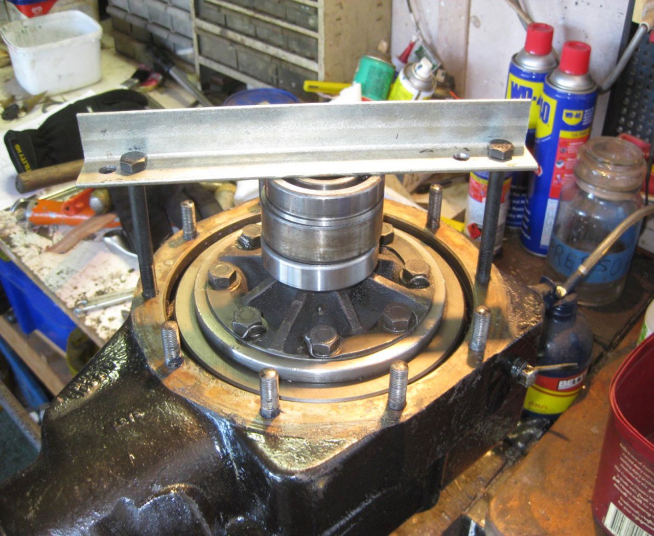 Fitting an MGA/MGB Crown Wheel and Pinion to T Final Drive